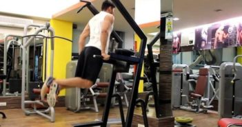Triceps dips on parallel bar