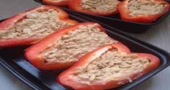 high protein breakfast: tuna & eggs stuffed bell peppers