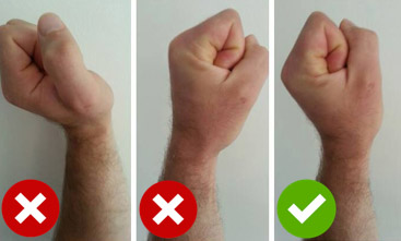 Wrists hyperextended when pressing: risk benefit ratio