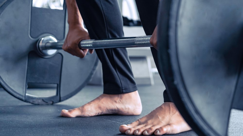 shoeless weightlifting